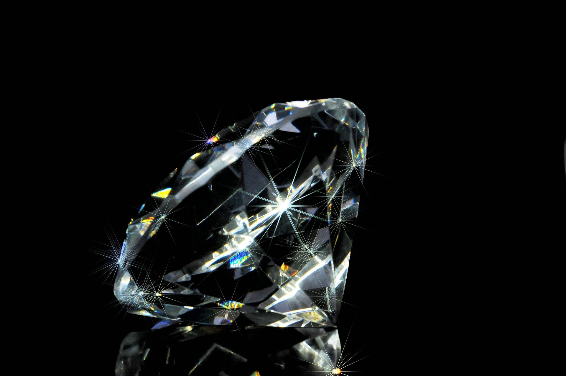 ダイヤモンド 惑星